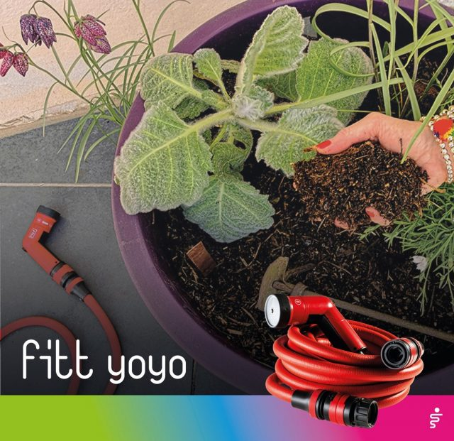 Spring is the month when gardens and balconies come back to life, with an array of creative ideas for true #greenlovers. It's a good rule to water the soil very well at least the day before fertilizing. 🌱 A well-prepared soil is most of all a soil well watered using FITT Yoyo!  #FITT #FITTGardeningIdeas #FITTYoyo #wateryourpassion #gardeninglife #watering #gardeningtips #spring #gardeninglife #gardeninglove #gardeningisfun #gardeningismytherapy #gardeningknowhow #gardeninggoals #gardeningmeakesmehappy #soil #balconies #balconiesofinstagram