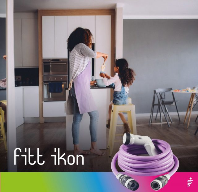 Forget Wonder Woman: every mum has superpowers. 💪 Dinner almost ready, homework almost done, the last thing left for the day is to water the plants with FITT Ikon. 🌿 It's so practical that it only takes a moment!  #FITT #FITTGardeningIdeas #FITTIkon #FITTcoloryourlife  #FITTIkonextendablehose #coloryourpassion #extendablehose #mumanddaughter #mumlife #wondermum #gardeninglife #watering #citygardening #gardeningtips #gardeninglove #gardeningisfun #gardeningismytherapy #gardeningknowhow #gardeninggoals #gardeningmeakesmehappy