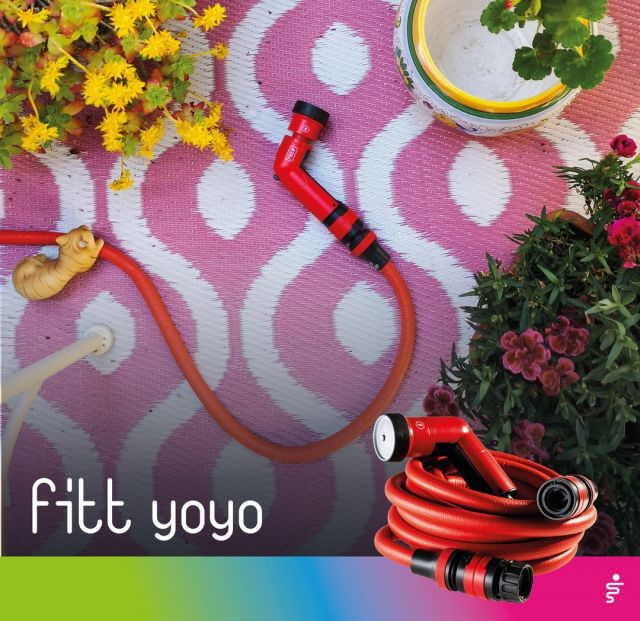 To clean your patio furniture, sweep up months of dust, dirt and leaves that have accumulated over the winter. Then rinse everything using the strong, high-intensity water jet of the FITT Yoyo multi-jet spray gun!  #FITT #FITTGardeningIdeas #FITTYoyo #wateryourpassion #extendablehose #watering #gardeninglife #watering #gardeningtips #citygardening #gardeningtips #gardeninglove #gardeningisfun #gardeningismytherapy #gardeningknowhow #gardeninggoals #gardeningmeakesmehappy#gardeningtips #summer #terrace #terracedesign #terracegarden