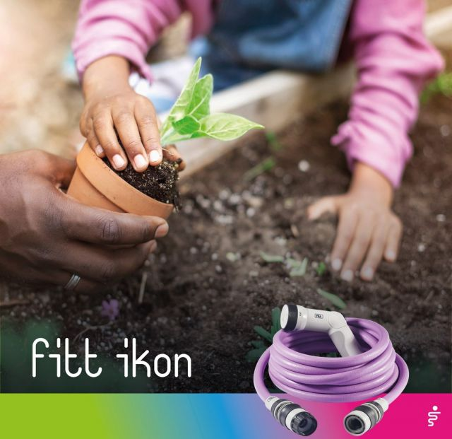 Children and FITT Ikon: what a fantastic combination in the garden! FITT Ikon is so light that even they, who are so small, can use it. And while they run from one side to the other, FITT Ikon follows them without problems: it is extendable and it can reach everywhere. 👉 https://bit.ly/3Bs8beG  #FITT #FITTIkon #coloryourpassion #FITTIkonexetendablehose #extendablehose #kidsgardening