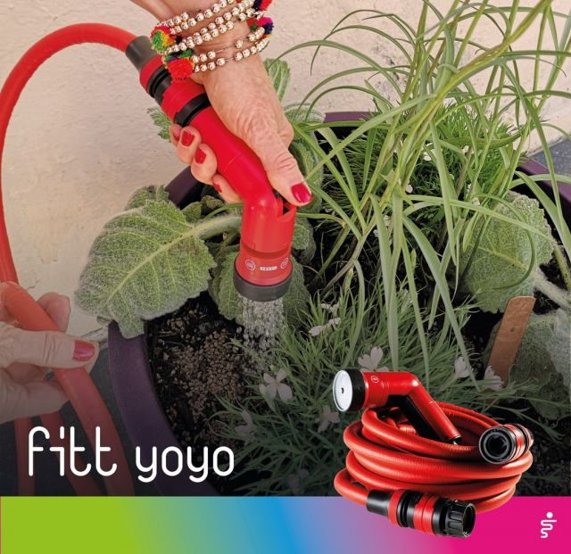 The delicate September planting procedure, either in pots or in the ground, requires regular watering, which soon becomes a perfect ally for our plants. 💦🌷 By adjusting the intensity of the water, with the practical FITT Yoyo multi-jet spray gun it will be possible to obtain a gentle shower spray, the most suited to new plants and seed.  #FITT #FITTGardeningIdeas #FITTYoyo #wateryourpassion #gardeninglife #watering #gardeningtips #september #planting #plantslover