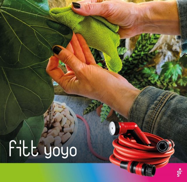 Plants will also regularly need actual water showers, which in addition to removing any dust from leaves and stems, will also restore the correct vital humidity levels, and help them to breathe better. 🍃 Choose the FITT Yoyo spray jet to avoid ruining the foliage of your plants! 👉 https://bit.ly/2QqK12a  #FITT #FITTGardeningIdeas #FITTYoyo #gardeninglife #watering #gardeningtips #autumn #dust #plants #houseplants #houseplantsclub #houseplantsofinstagram